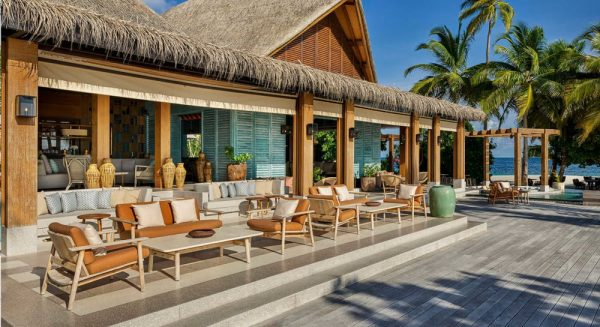 outdoor furniture for hospitality